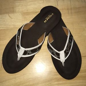 Coach Judy Sandals Flipflops Sz 8.5 A+ Condition